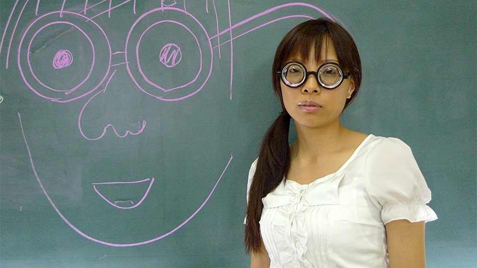 Suzuki Vitara nadržená studentka orální sex polykání